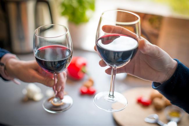 Un estudio revela un nuevo beneficio asociado al vino tinto